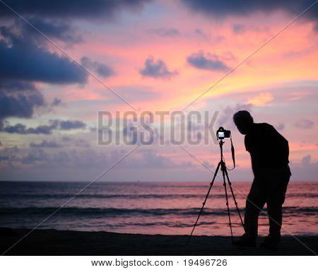 Thailand Phang Nga - nemen foto bij zonsondergang
