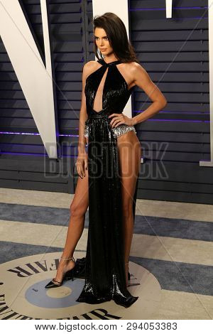 LOS ANGELES - FEB 24:  Kendall Jenner at the 2019 Vanity Fair Oscar Party on the Wallis Annenberg Center for the Performing Arts on February 24, 2019 in Beverly Hills,