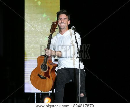 LAS VEGAS - APR 5: Jake Owen attends the ACM Stories, Songs & Stars at the Marquee Ballroom at the MGM Grand Hotel & Casino on April 5, 2019 in Las Vegas, Nevada.
