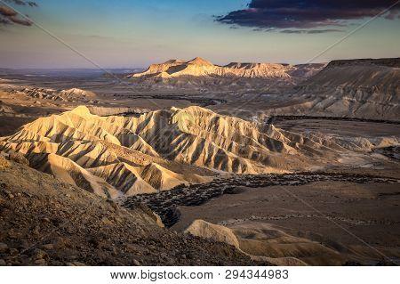 A Beautyfull Desert Sunset With Great Textures And Light