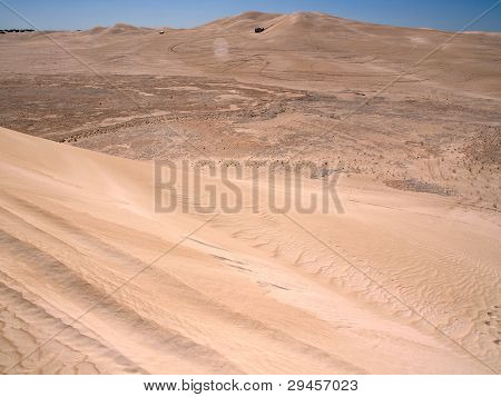 4WD in sand dunes