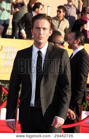 LOS ANGELES - JAN 29:  Desmond Harrington arrives at the 18th Annual Screen Actors Guild Awards at Shrine Auditorium on January 29, 2012 in Los Angeles, CA