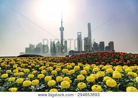 Morning Landscape Of The Bund, Huangpu Riverside,  Shanghai City View Background