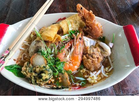 Tumyum Prawn Seafood Spicy And Sour Noodle