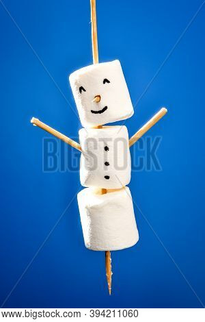 Diy White Marshmallows Sweet Treat For Kids Funny Marshmallow Christmas Snowman. Step By Step. Copy