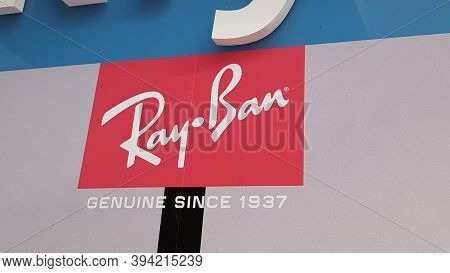 Bordeaux , Aquitaine / France - 11 08 2020 : Ray-ban Sign And Text Logo Store Front Of Sunglasses Sh