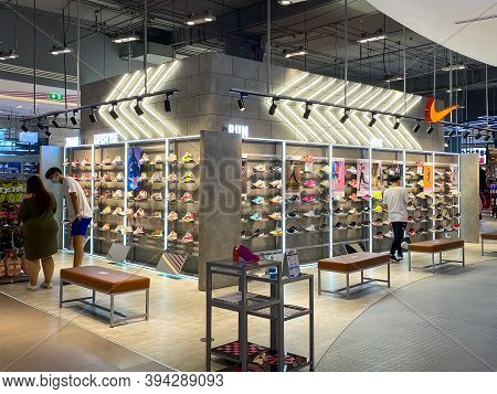 Bangkok Thailand - 10 Nov 2020: Many Running Shoes  On A Shelf In The Nike Booth In The Sports Zone