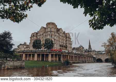 Bath, Uk - October 04, 2020: View Of Buildings On Grand Parade By River Avon In Bath, The Largest Ci