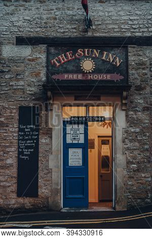 Frome, Uk - October 04, 2020: Entrance Of Sun Inn Pub And Accommodation In Frome, A Market Town In T