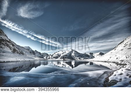 Beautiful Snow In Winter Around The World, Spectacular Ice And Snow Scenery.