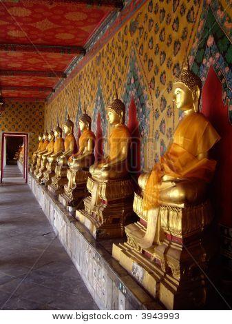 Buddha Images In Wat Arunratchawararam