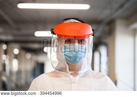 Coronavirus Covid-19 Virus Disease Global Pandemic Outbreak,uk Nhs Frontline Medical Key Worker,ems