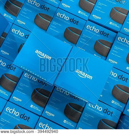 Orlando, Fl/usa-10/14/20: Boxes Of Amazon Echo Dot Virtural Assistants For Sale In A Display Bin In