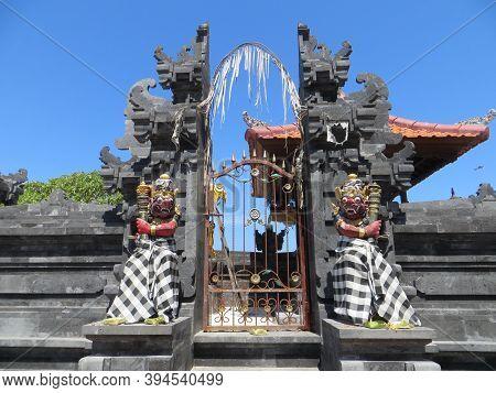 Badung Bali, Indonesia - October 3, 2019: A Hindu Temple At Bengiat Beach Nusa Dua.