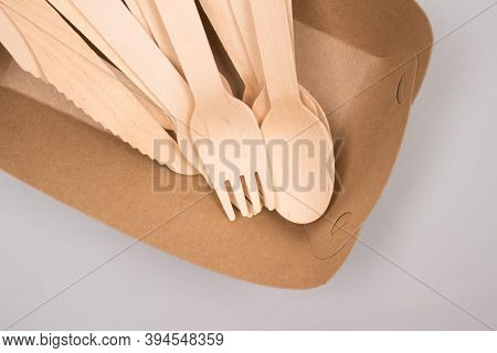 Disposable Wooden Cultery Set Made Of Natural Bamboo - Biodegradable And Compostable Cultery Concept