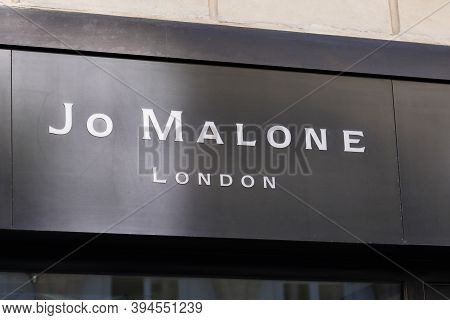 Bordeaux , Aquitaine / France - 11 08 2020 : Jo Malone London Sign Text And Logo Front Of Boutique U