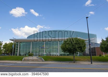 Manchester, Nh, Usa - Aug. 29, 2019: Snhu Arena At 555 Elm Street In Downtown Manchester, New Hampsh
