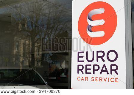 Bordeaux , Aquitaine / France - 11 11 2020 : Euro Repar Car Service Sign And Logo Station Shop Autom