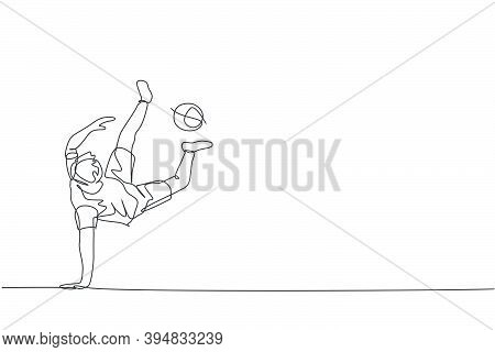 Single Continuous Line Drawing Of Young Sportive Man Train Soccer Freestyle, Juggling With Soles Of