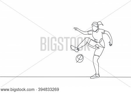 One Continuous Line Drawing Of Young Sporty Man Soccer Freestyler Player Practice Juggling The Ball