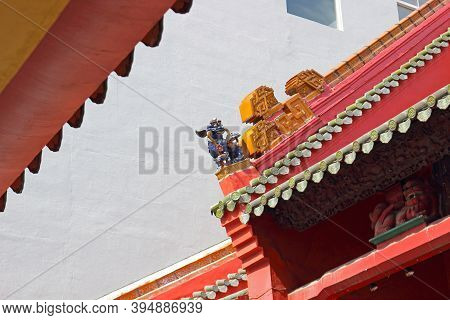 Roof Of The Taoist Temple A Guan Di Temple In Chinatown Adorned With Colorful Carved Guards And Anim