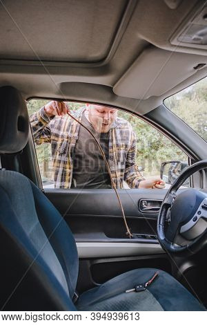 Man Locked Car And Forget Keys Inside