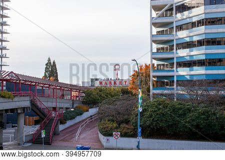 Onsdale Quay Market And Lonsdale Quay Hotel From Esplanade, With The Pedestrian Bridge (overpass) Fr