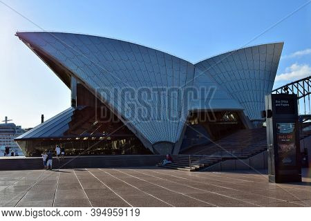An Amazing View To Opera House In Sydney