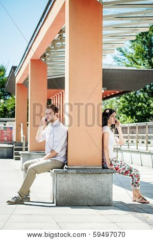 Close and distant - problems in relationship?