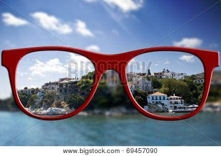 Sharp Sight Concept. Blurred And Sharpen Eyesight.