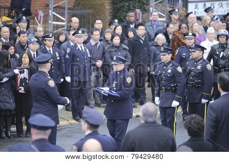Folding NYPD flag