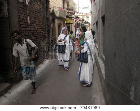 KOLKATA, INDIA - JANUARY 27: Sister of Missionaries of Charity at the streets of Kolkata, India on January 27, 2009.