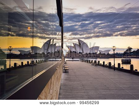 Sydney, Australia -august 22, 2015 : View Of Sunrise At Sydney Opera House With Reflection