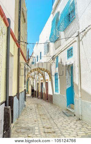 Discovering Medina