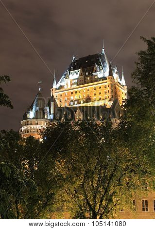 FAIRMONT CHATEAU FRONTENAC AT NIGHT