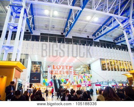 Lotte Outlets Mall In Seoul Station, Korea.