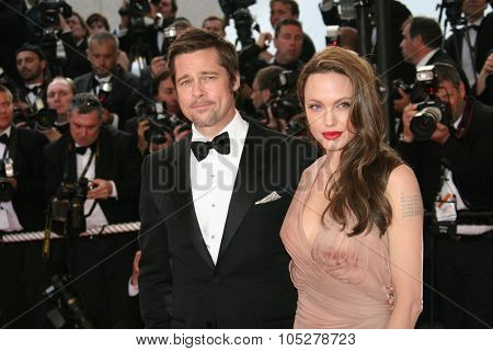 CANNES, FRANCE - MAY 20: Angelina Jolie and Brad Pitt attend the 'Inglourious Basterds' Premiere at the Theatre Lumiere during the 62nd Annual Cannes Film Festival on May 20, 2009 in Cannes, France