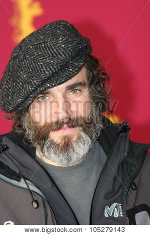 BERLIN - FEBRUARY 15: Actor Daniel Day-Lewis poses at the 'The Ballad Of Jack & Rose' Photocall during the 55th annual Berlinale International Film Festival on February 15, 2005 in Berlin, Germany