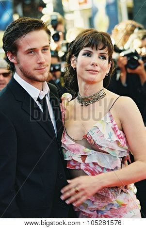 CANNES, FRANCE - MAY 24: Sandra Bullock and Ryan Gosling attend the 'Murder by numbers' Premiere at the Grand Theatre Lumiere during the 55th Cannes film festival on May 24, 2002 in Cannes, France