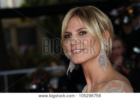 CANNES, FRANCE - MAY 24: Heidi Klum attends the 'The Paperboy' premiere during the 65th Cannes Film Festival at Palais des Festivals on May 24, 2012 in Cannes, France
