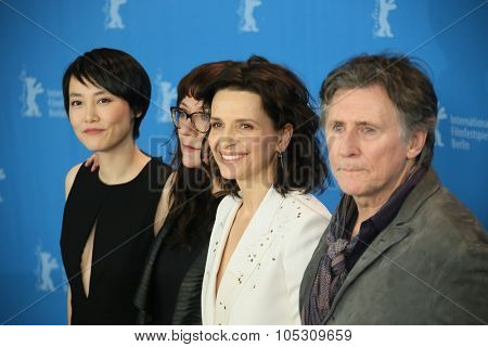 BERLIN, GERMANY - FEBRUARY 5: Juliette Binoche poses during the photocall for the 'Nadie quiere la noche' (Nobody Wants the Night) presented at the 65th Film Festival in Berlin, on February 5, 2015.
