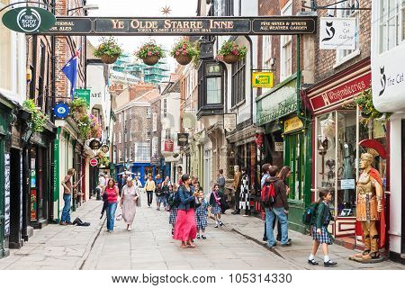 A View Of The Stonegate Street In York, England