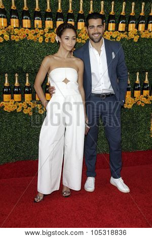LOS ANGELES - OCT 17:  Cara Santana, Jesse Metcalfe at the Sixth-Annual Veuve Clicquot Polo Classic at the Will Rogers State Historic Park on October 17, 2015 in acific Palisades, CA