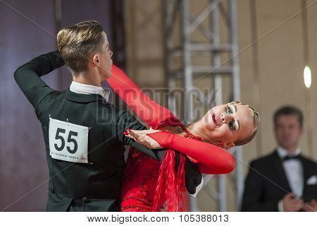 Minsk, Belarus-september 26, 2015: Krupskiy Vladislav And Hatyushina Aleksandra Perform Adult Standa