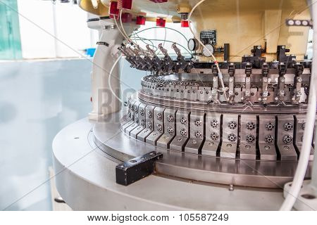 Textile Industry Weaving And Warping Machine - Production