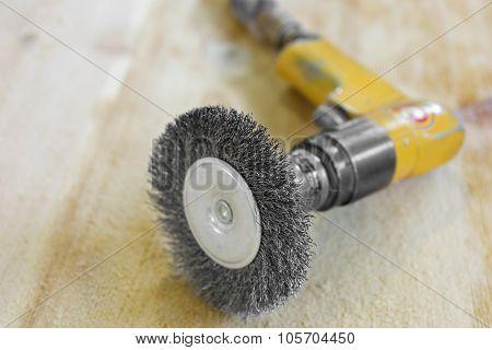 Electrical Rotating Brush Metal Disk Sanding Piece Of Wood