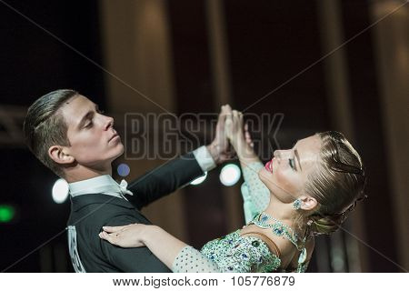 Minsk, Belarus-september 27, 2015: Kravchuk Danylo And Antonchuk Anastasia Perform Youth Standard Pr