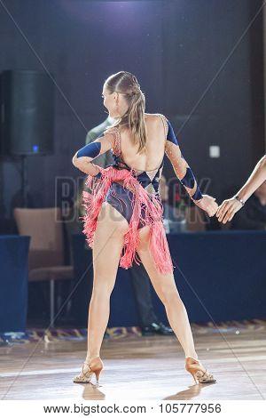 Minsk, Belarus-september 27, 2015: Konstantin Ermolovich And Anna Snegir Perform Juniors-2 Latin -am