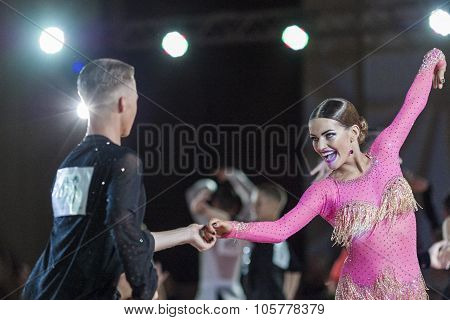 Minsk, Belarus-september 27, 2015: Uglanov Alexey And Trigubko Alena Perform Juniors-2 Latin -americ