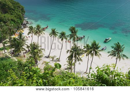 Tourists disembark at the Mu Ko Ang Thong National park beach Koh Samui, Thailand.